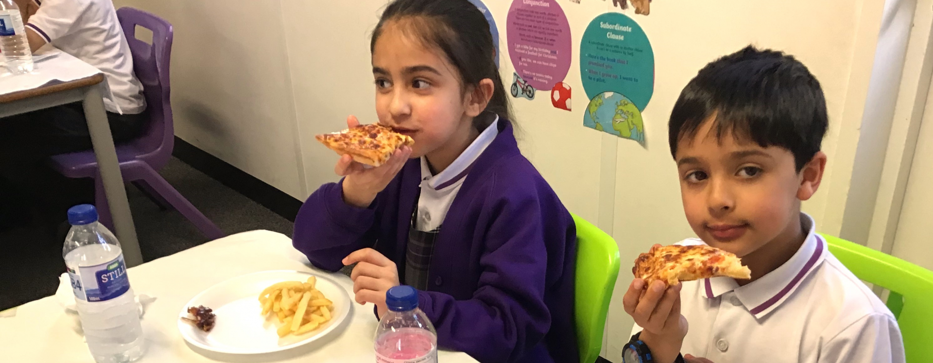 Pupils learn about breaking their fast during 'Mini Iftar'